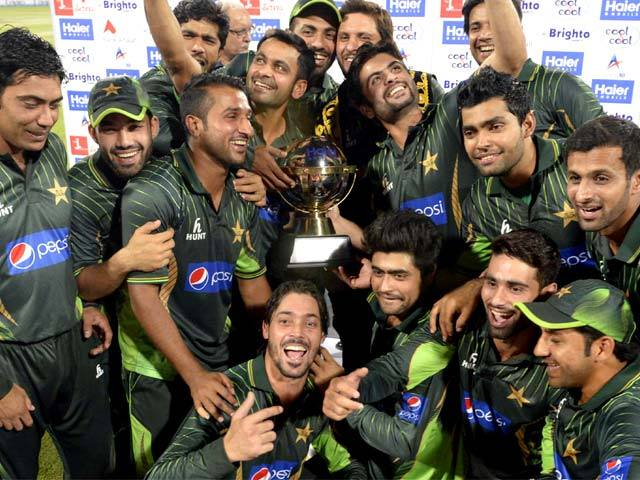 Pakistan recall Malik, Sami for Zimbabwe ODI series