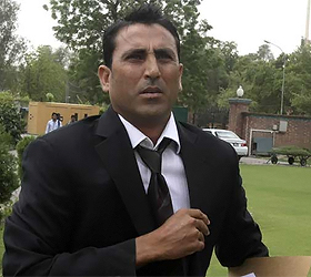 Younis exclusion unjustified,Abdul Ghaffar Qureshi