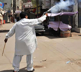 2 Muttahida men shot dead
