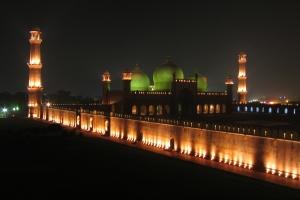 Badshahi Mosque in Lahore - Pakistan (night)