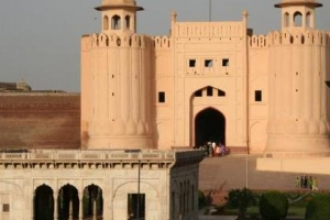 The gate of the Shahi Qila on Azuri Bagh