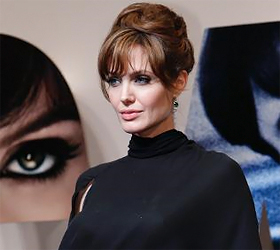 Angelina Jolie in Pakistan to highlight needs of flood victims