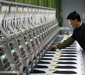 China's world factory: little Christmas order cheer