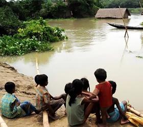 Flood-hit woman seeks financial help for ailing husband