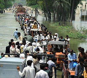 Gilani for collective efforts to rehabilitate flood affected; assures complete transparency