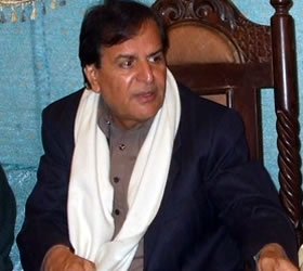 Javed Hashmi receives warm welcome in National Assembly