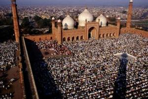 ramadan-at-badshahi-mosque