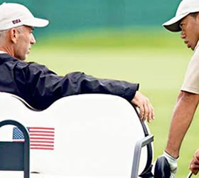 Ryder Cup 2010: Corey Pavin committed to gamble on Tiger Woods for US team