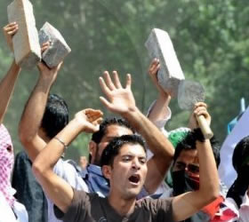 Troops to shoot on sight after deadly Kashmir unrest