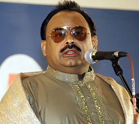 Youth will bring revolution, says Altaf