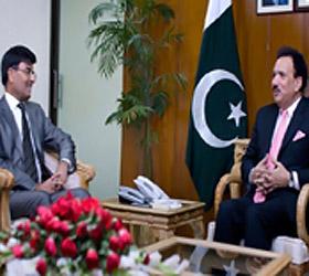 Indian High Commissioner calls on Rehman Malik