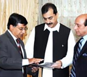 PM felicitates PTA for achieving 100 million mark of subscribers