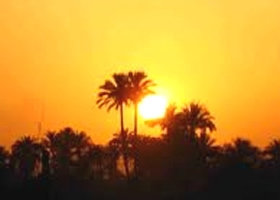travel-with-children-the-night-train-to-luxor
