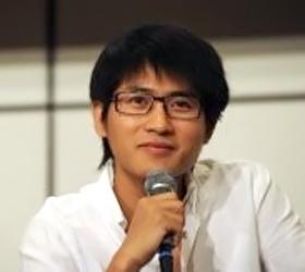 Top China blogger shuts down magazine