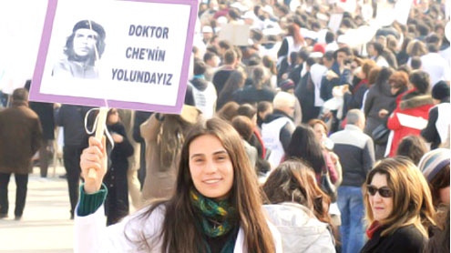 10,000 protest new Turkish health care system