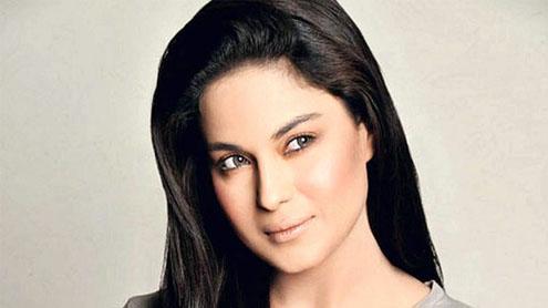 Now Veena Malik to do comedy!