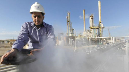 Oil prices fall on Saudi comments and Opec talks