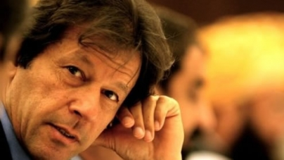 Imran invites all political parties to join sit-in against drone attacks