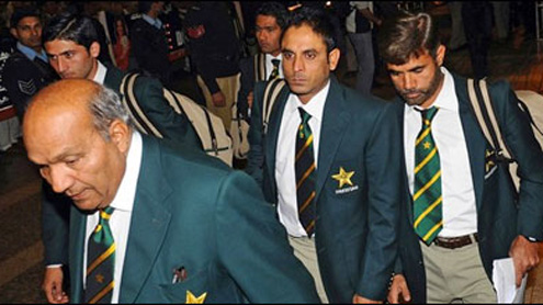 CM Punjab receives members of Pak cricket team