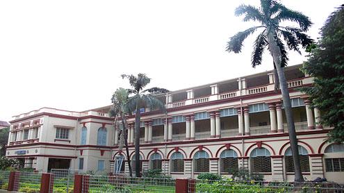 Drunk poet molests girls at Jadavpur University