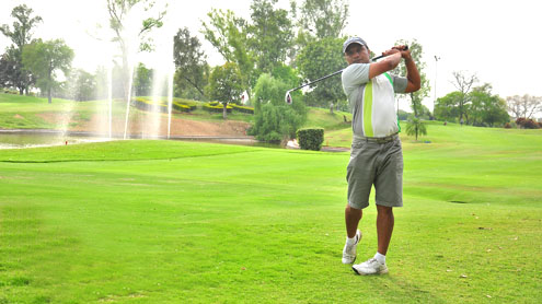 Islamabad frontrunner in Royal Palm Golf