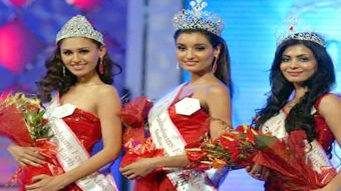 Kanishtha Dhankhar wins Pantaloons Femina Miss India World 2011