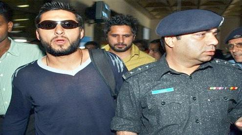 Karachi: National cricket team returns home