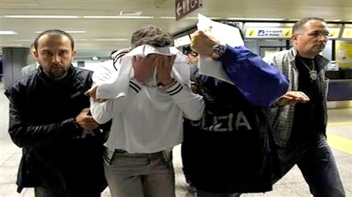 Man overpowered trying to hijack Alitalia flight