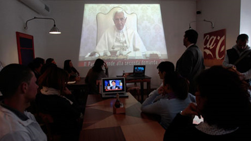 Pope Benedict stumped by Japanese girl's question about suffering