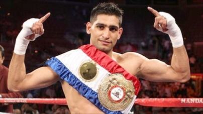 Amir Khan considering shot at WBC title