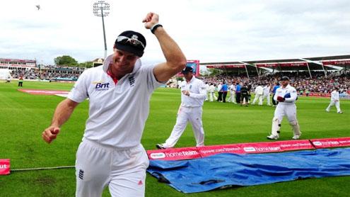 England on track for whitewash