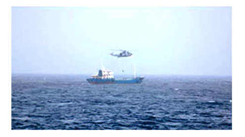 Indian Navy detains pirates