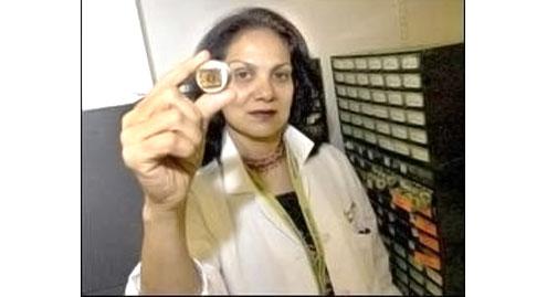 Dr  Azra Raza