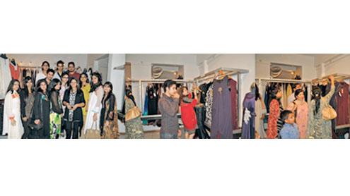 Wonderful fashion exhibition held at Grandeur Art Gallery