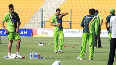 Abu Dhabi set for first Test