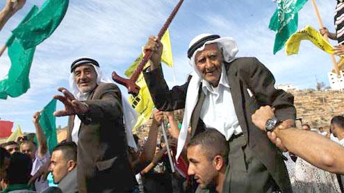 Palestinians hail lopsided swap