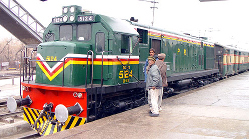 Cash-starved Pakistan Railways terminates 75 train services