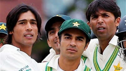 Ex-Pakistan cricket captain and two fast bowlers engaged in 'rampant corruption' to fix matches