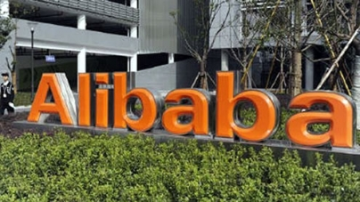 """Alibaba's Ma: """"very interested"""" in buying Yahoo"""