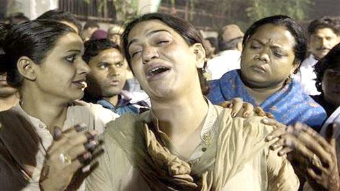 13 eunuchs killed in fire in India