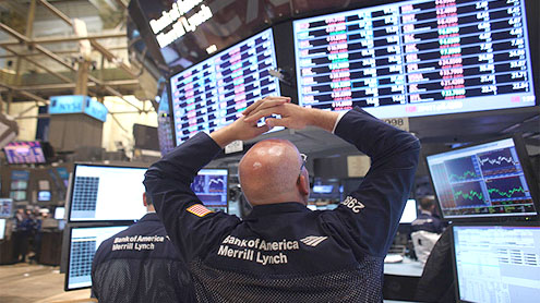 Stocks tumble worldwide on fears of Eurozone blow-up