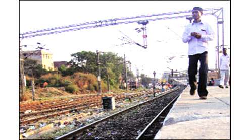 Man bleeds to death at Delhi's Nizamuddin railway station