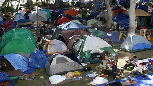Occupy LA campers face midnight eviction deadline
