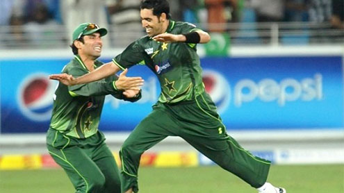 Pakistan beat Sri Lanka by 21 runs, lead the series 2-1