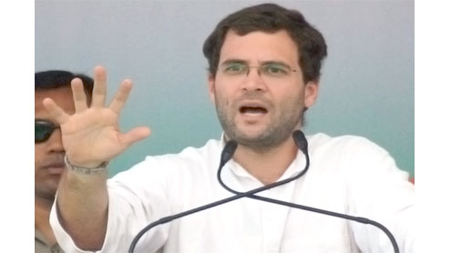 UP poll vault: Rahul seeks Rs 3,000 crore sop for weavers