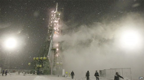 Russia resumes manned Soyuz flights after crash