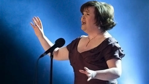 Susan Boyle shoots to top of UK album chart