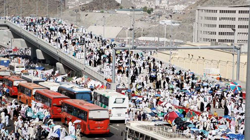 Pilgrims stream out of Makkah