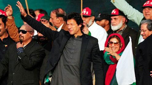 Imran Khan draws more than 100,000 to rally in Karachi