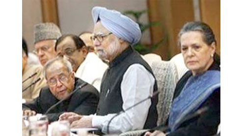 Lokpal bill draft gets Cabinet nod; Team Anna, oppposition reject it